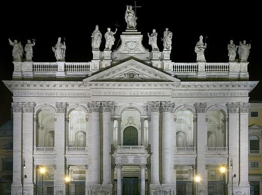 Fachada principal de San Juan de Letrán en Roma