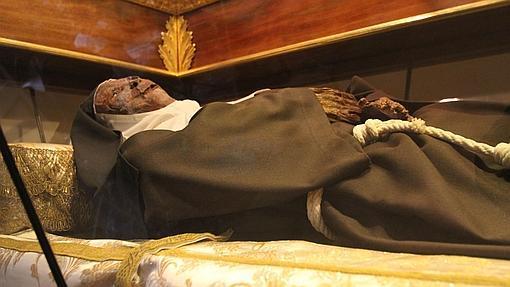 El cuerpo incorrupto de Doña María Coronel