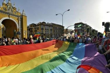 bandera gay sevilla