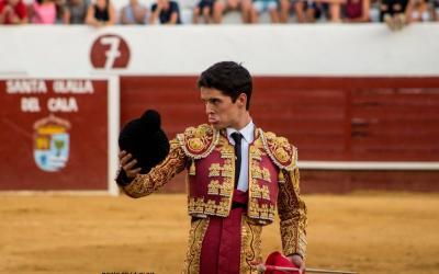 Jesús Cuesta se recupera en Sevilla de una cornada sufrida en Valdelicha