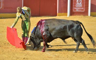 Borja Jiménez cortó cuatro orejas en la plaza de toros de Niebla