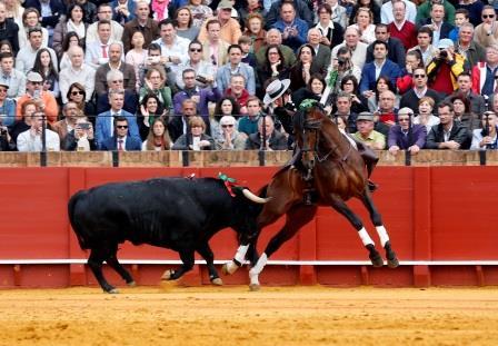 Sevilla. 10 abril 2016. Jesus Moron. Toros en Sevilla, Feria de Abril. Corrida de rejones. Diego Ventura en el segundo.