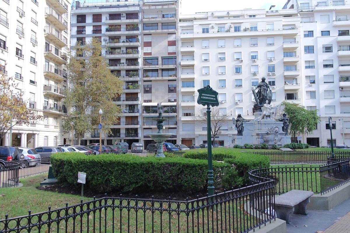 Plaza Jockey Club