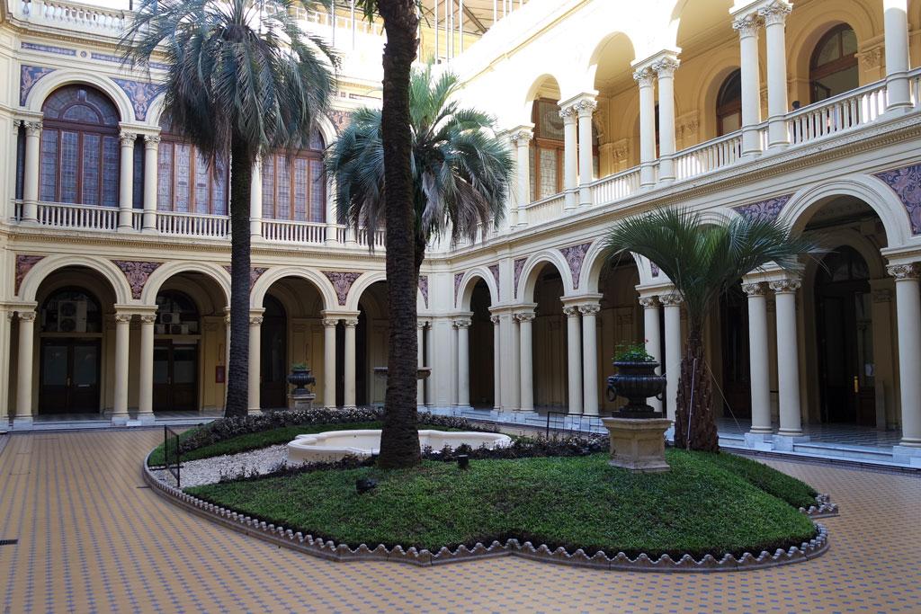 patio das palmeiras-casa-rosada