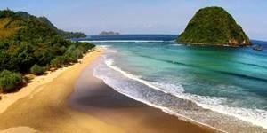 Wisata Pulau Merah