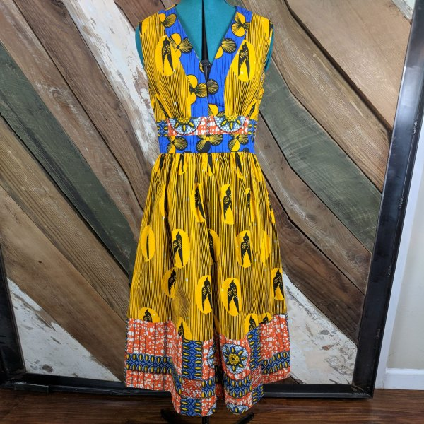 V-NECK DRESS WITH AFRICAN PRINT