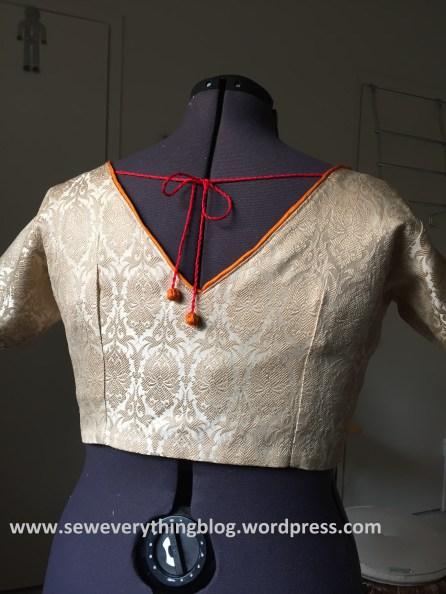 blouse finished back