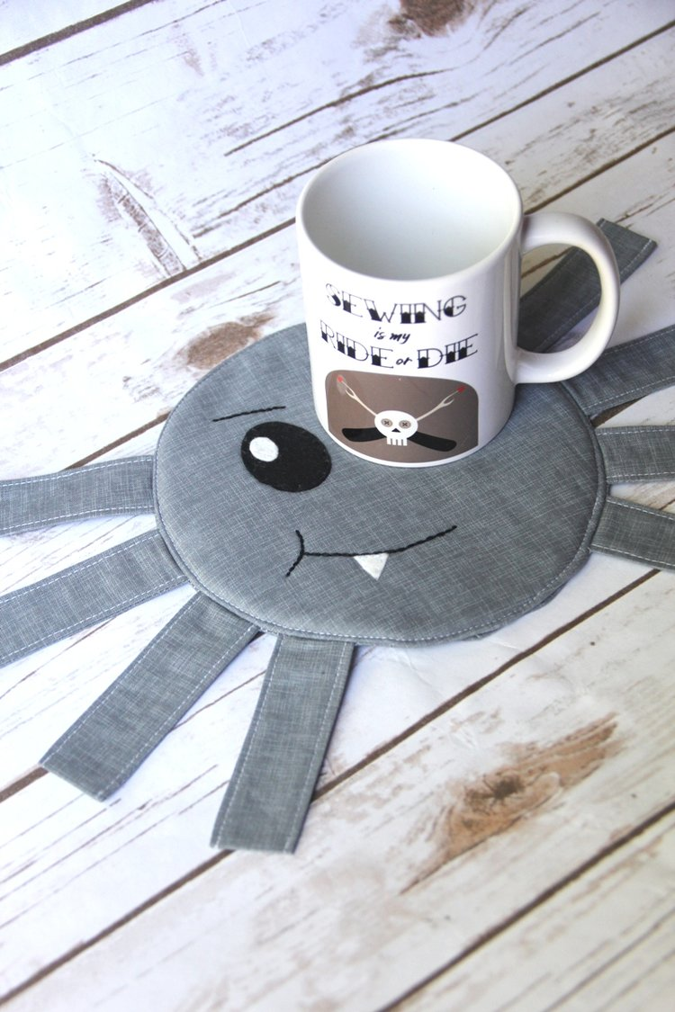 Spider+Mug+Mat