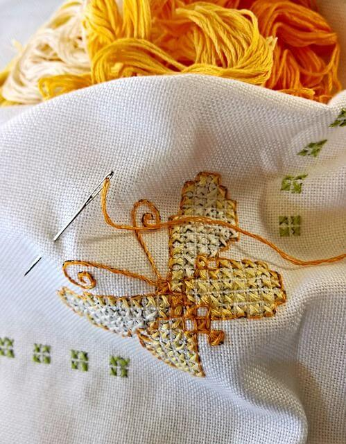 5 Embroidery Fabrics and How You Can Use Them | The Spruce Crafts