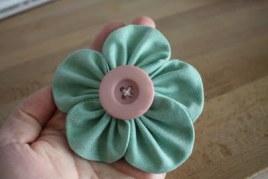poofyfabricflower