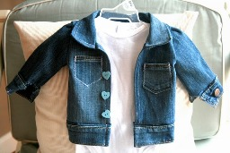 Tutorial: Denim jacket for baby out of an adult pair of jeans – Sewing