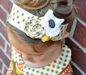Tutorial: Easy headband with rolled fabric rosettes – Sewing
