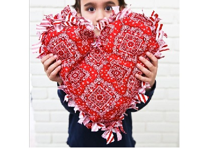 Tutorial No Sew Fringed Heart Pillow Sewing