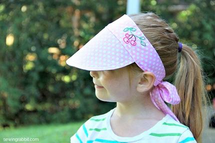 Tutorial: Fat quarter sun visor for a child
