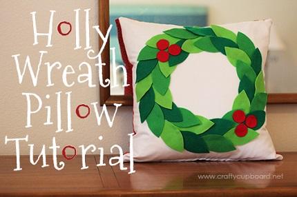 Tutorial: Felt holly wreath pillow