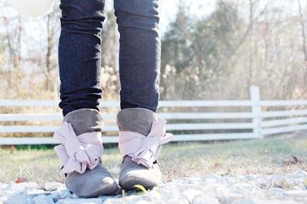 Free pattern: Bow boot wraps