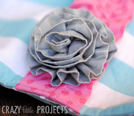Tutorial: 5-minute gathered fabric flower