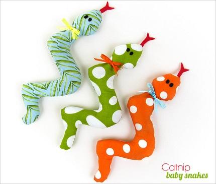 Tutorial: Catnip snake kitty toys