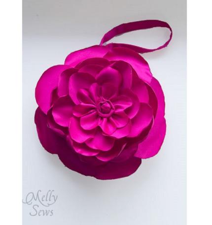 Tutorial: Floral clutch wristlet