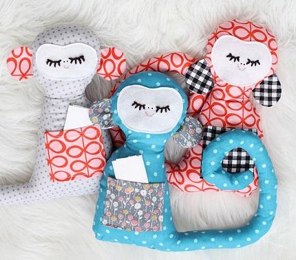 Free pattern: Secret notes monkey softie ? Sewing
