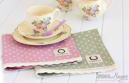 Tutorial: Lace trimmed linen napkins