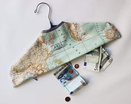 Free pattern: Secret pocket travel hanger cover