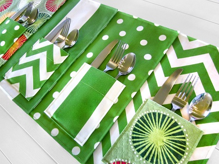 Tutorial: Picnic placemats with flatware pockets