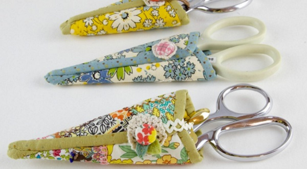 Tutorial: Scrap fabric scissors case