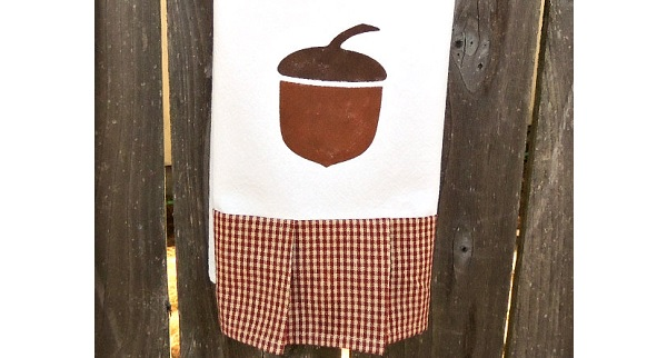 Tutorial: Autumn acorn tea towel