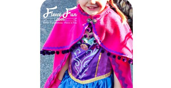 Free pattern: Little girls snow princess cape