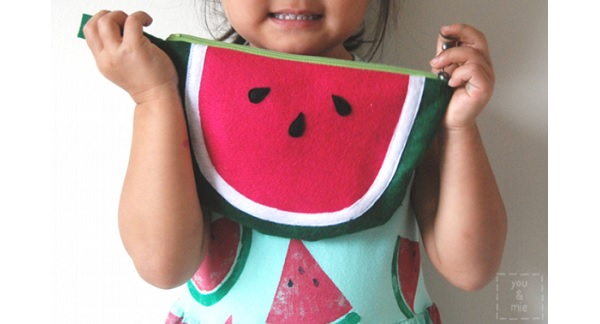 Free pattern: Watermelon wristlet clutch