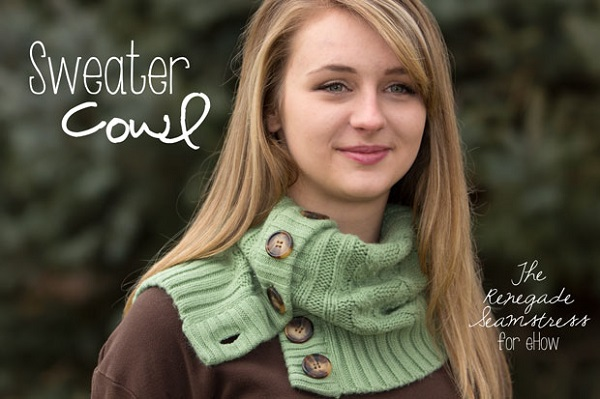 Tutorial: 10-minute cardigan cowl and boot sock set