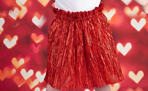 Tutorial: Little girl's Valentine's Day crinkle skirt