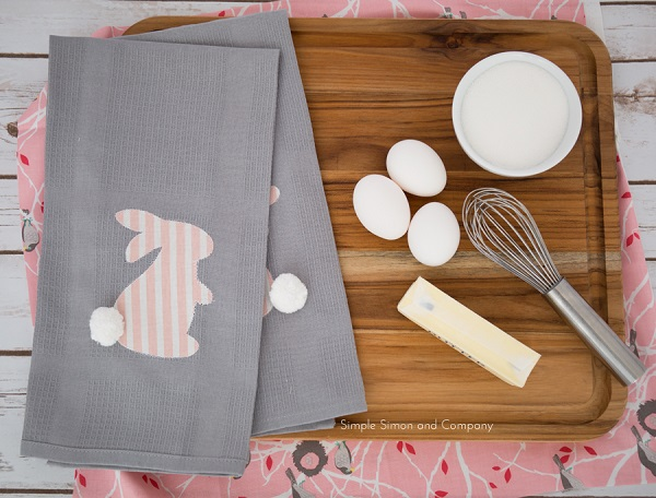 Tutorial: Pom pom bunny kitchen towels
