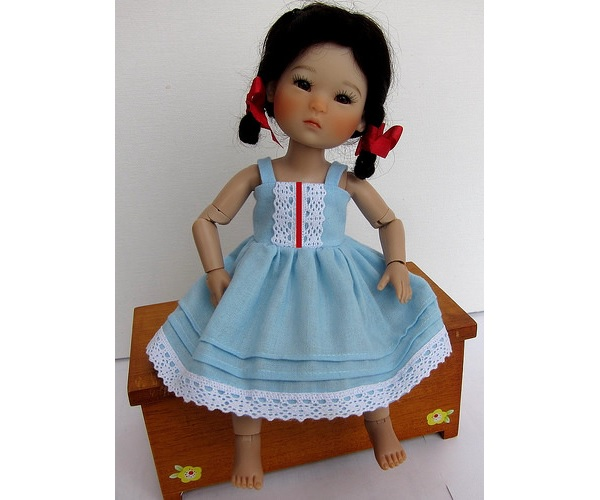 Free pattern: Sundress for a tiny doll – Sewing