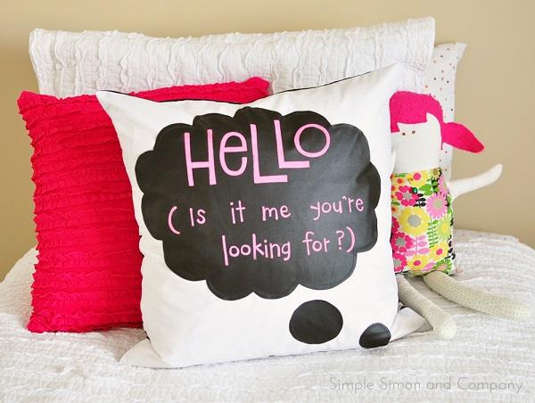 Tutorial: Speech bubble chalkcloth pillow