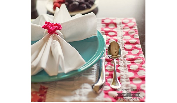 Tutorial: Easy shabby chic placemats to dress up your table