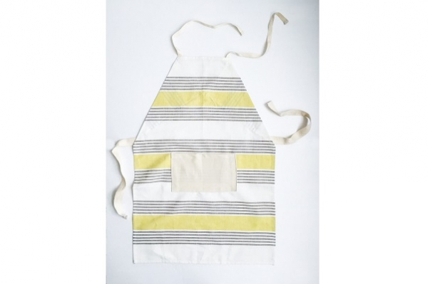 Tutorial: Kids' apron from a dish towel