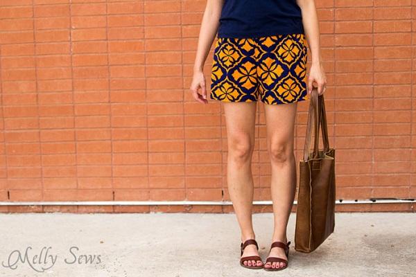 Free pattern: Women s graphic print shorts ? Sewing
