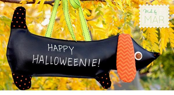 Free pattern: Happy Halloweenie dog door sign
