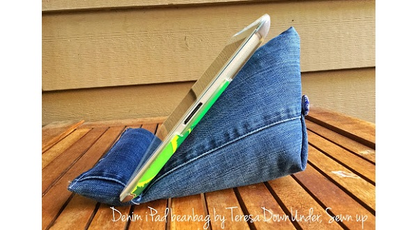 Tutorial: Upcycled jeans tablet stand
