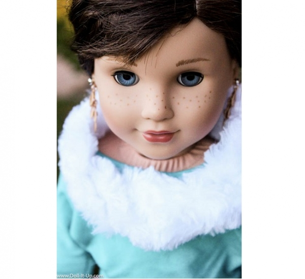 Tutorial: Faux fur infinity scarf for a doll