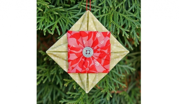 Tutorial: Origami fabric Christmas ornament
