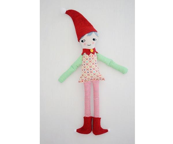 Free pattern: Christmas elf doll