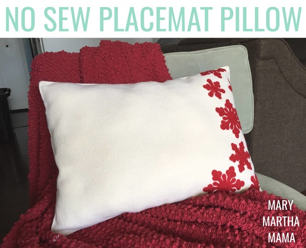 Tutorial: No-sew pillow from a placemat