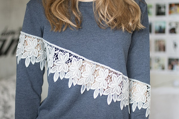 Tutorial: DIY lace cut out sweatshirt