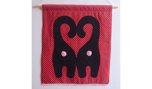 Free pattern: Cat butt Valentine banner