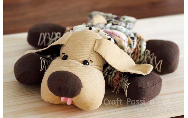 Free pattern: Yo-yo dog softie