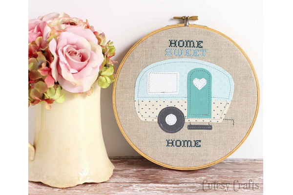 Free pattern: Trailer Home Sweet Home embroidery hoop art