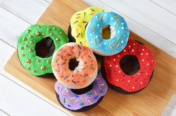 Tutorial: No-sew soft fabric donuts